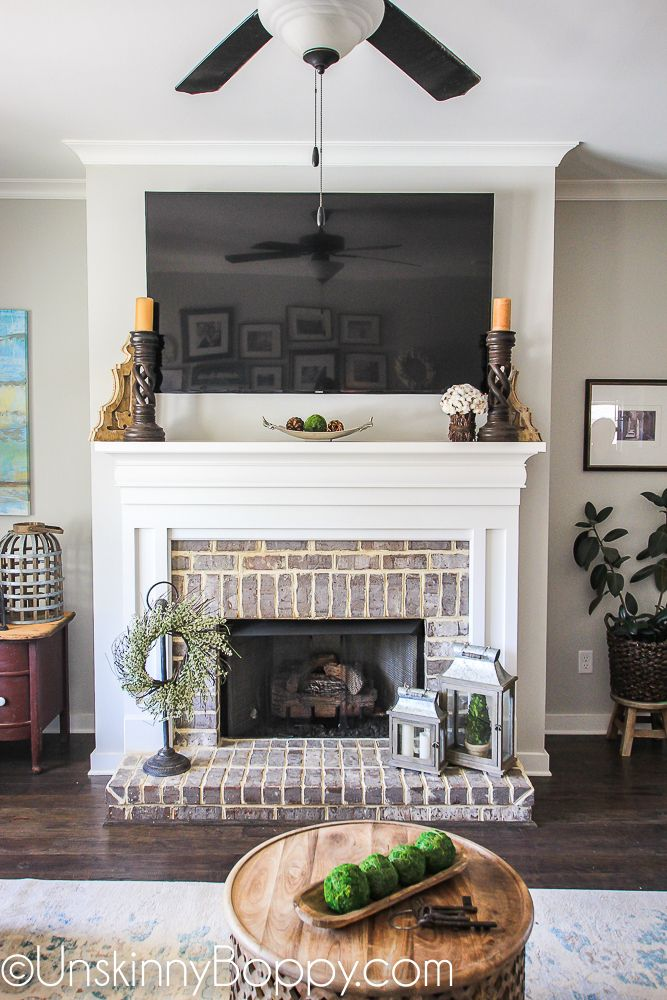 Springtime wreath and lanterns on a brick fireplace do it yourself springtime wreath and lanterns on a brick fireplace solutioingenieria Gallery