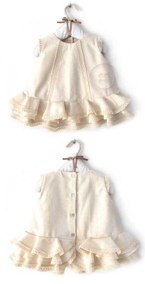 ¡Aprende a hacer un vestido de flamenca de bebé y tu peque será la reina de la feria! Con este tutorial paso a paso hacerlo tu misma será coser y cantar ;)