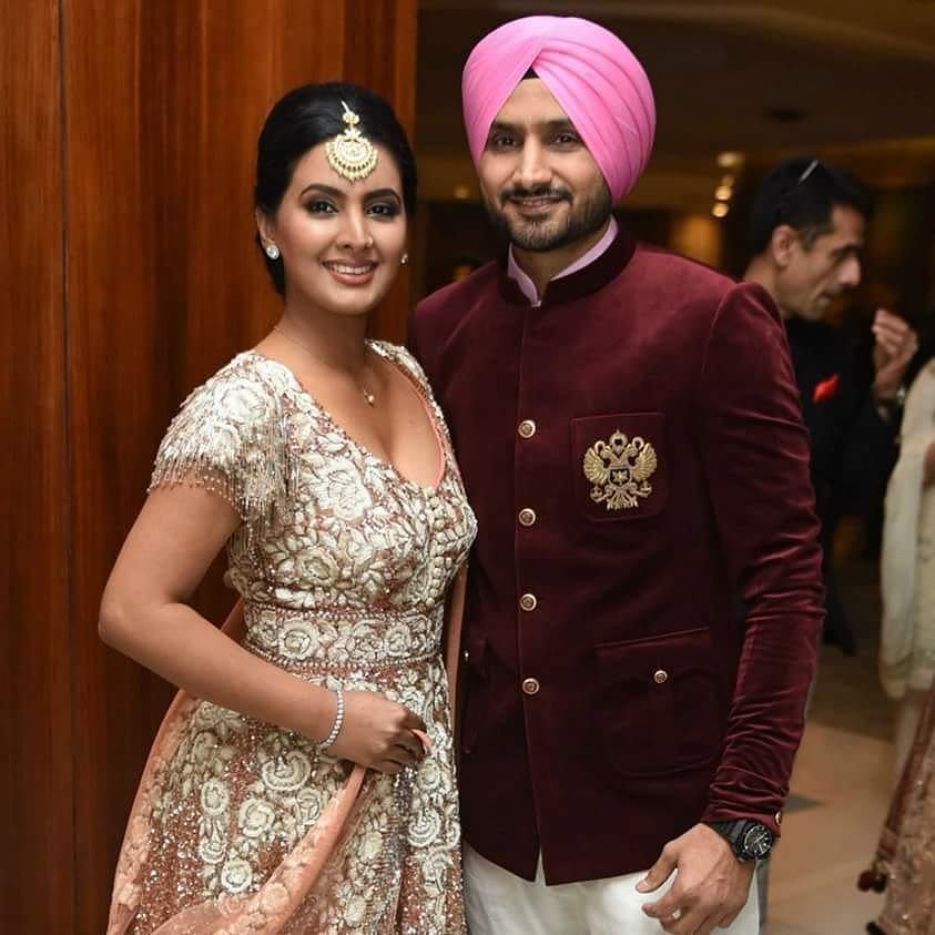 Relationshipgoals Harbhajan Singh And Geeta Basra At Yuvraj Singh And Hazel Keech S Wedding Reception Fil Celebrity Magazines Bollywood Actress Celebrities