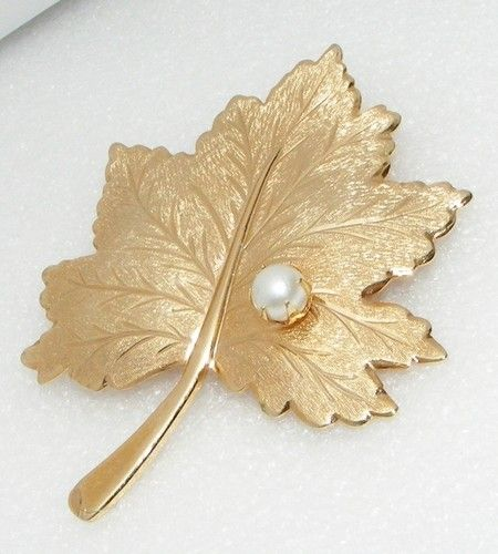 Vintage Sarah Coventry Faux Pearl Goldtone Leaf Brooch Pin