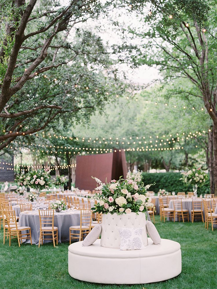 Wedding At The Nasher Sculpture Center By Dallas Wedding Photographer Stephanie Brazzle Wedding Planne Backyard Wedding Sand Ceremony Wedding Outdoor Wedding