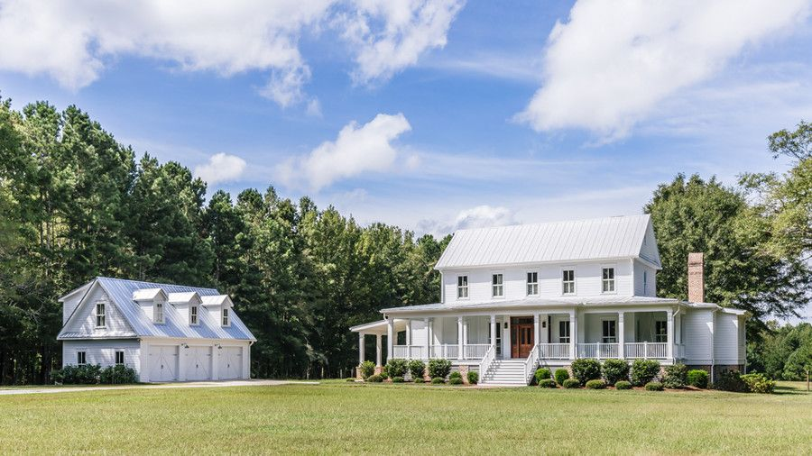 The Porches On This Georgia Farmhouse Will Make Any Southern Heart Race Dream House Plans Southern Farmhouse House Plans Farmhouse