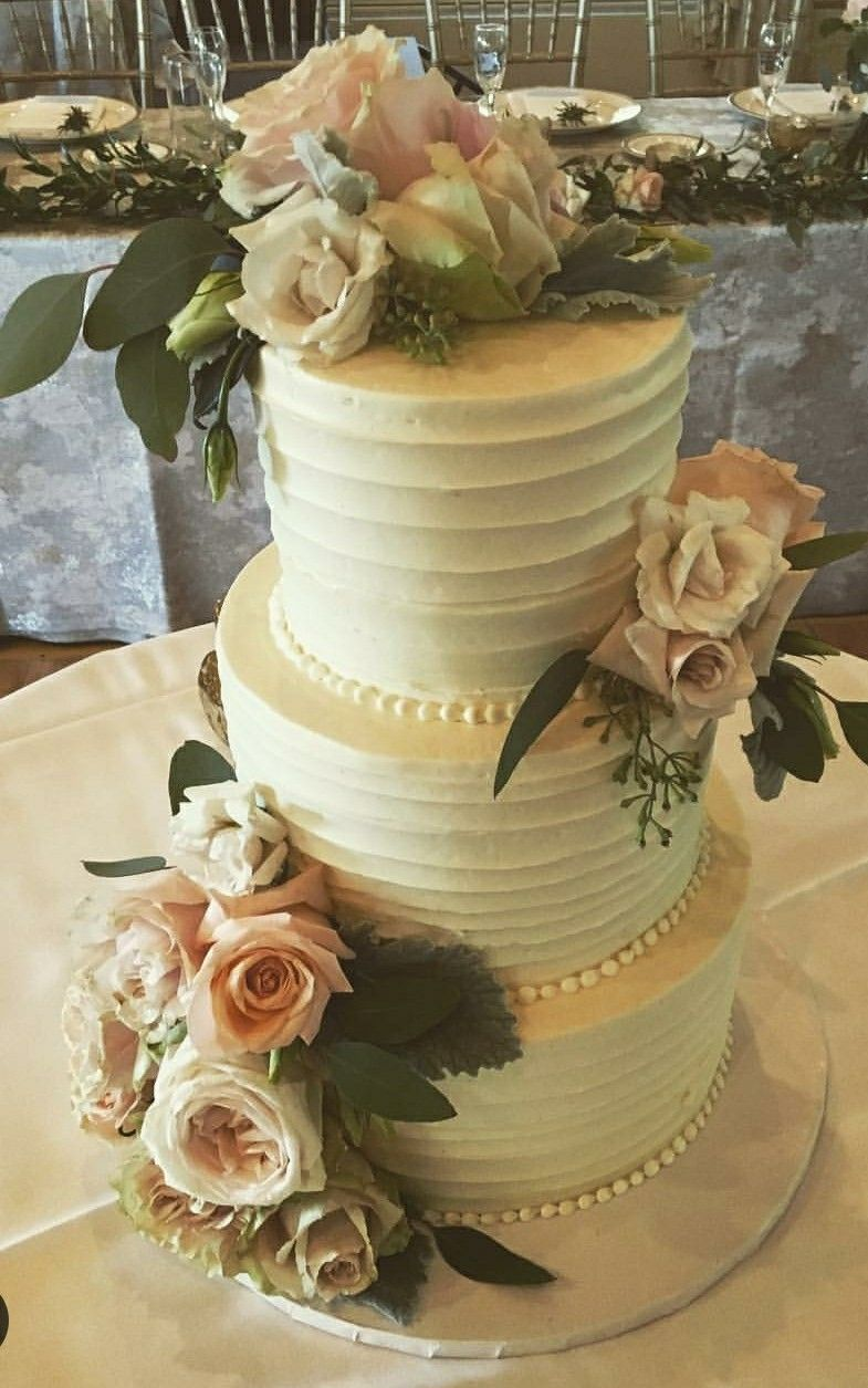 Simple and elegant wedding cake!
