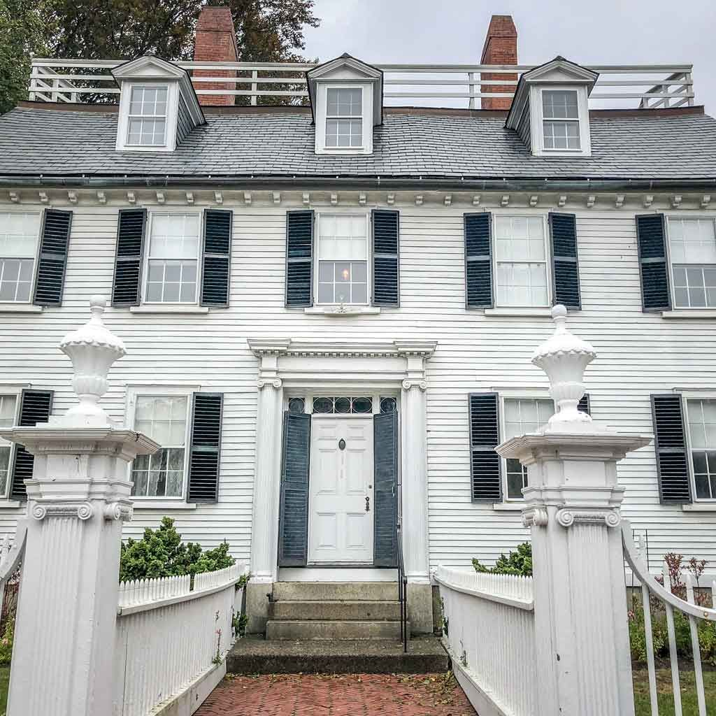 A Local S Guide To Visiting Salem Ma For Halloween Local Guide Day Trips From Boston Travel Usa