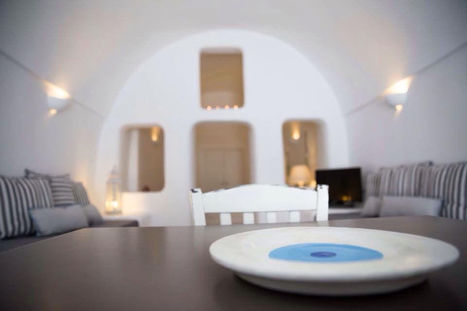 """Evil eye """"mati"""" plate for decoration in Santorini studios!"""
