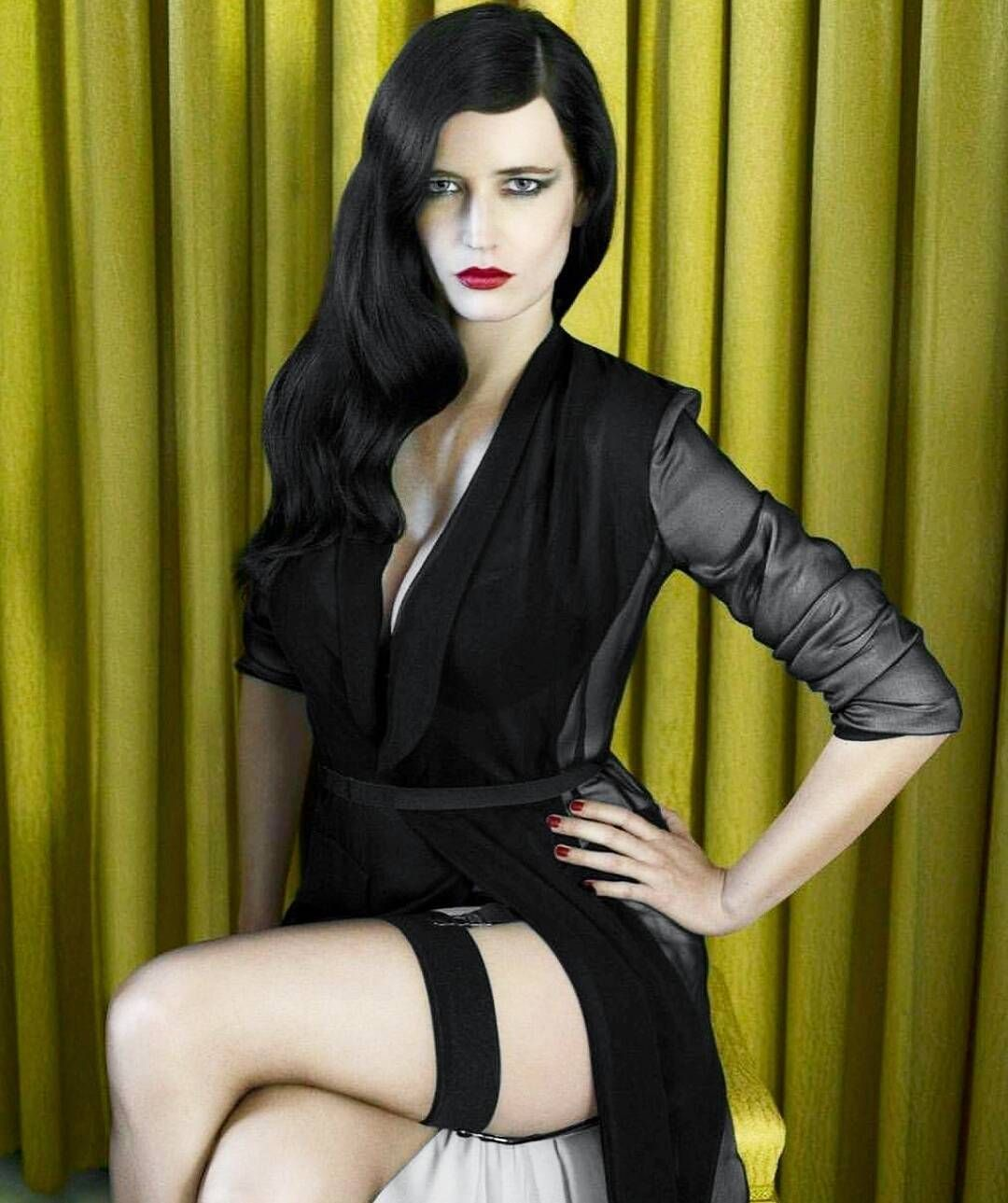 6,729 Likes, 67 Comments - Eva Green Queenevagreen On -3107