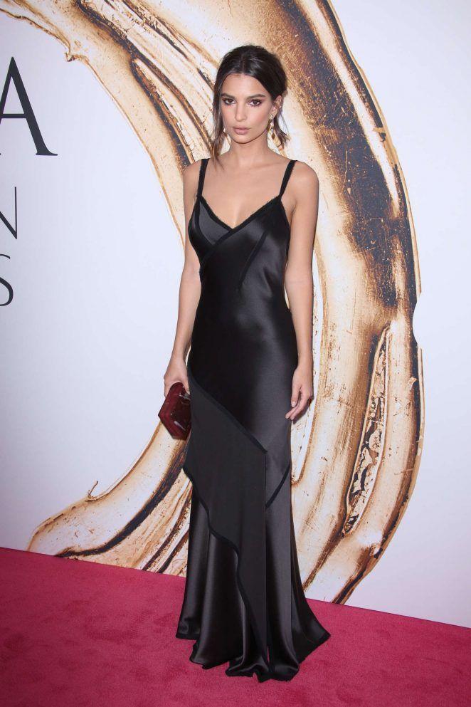 Emily Ratajkowski Wears Slinky Slip Dress To The Cfda Fashion Awards