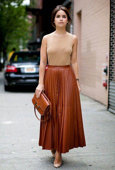 d5e0495cda Style Tip: 7 Ways to Wear A Maxi Skirt   MONOCHROMATIC Looks   Fashion,  Cool street fashion, Mira duma
