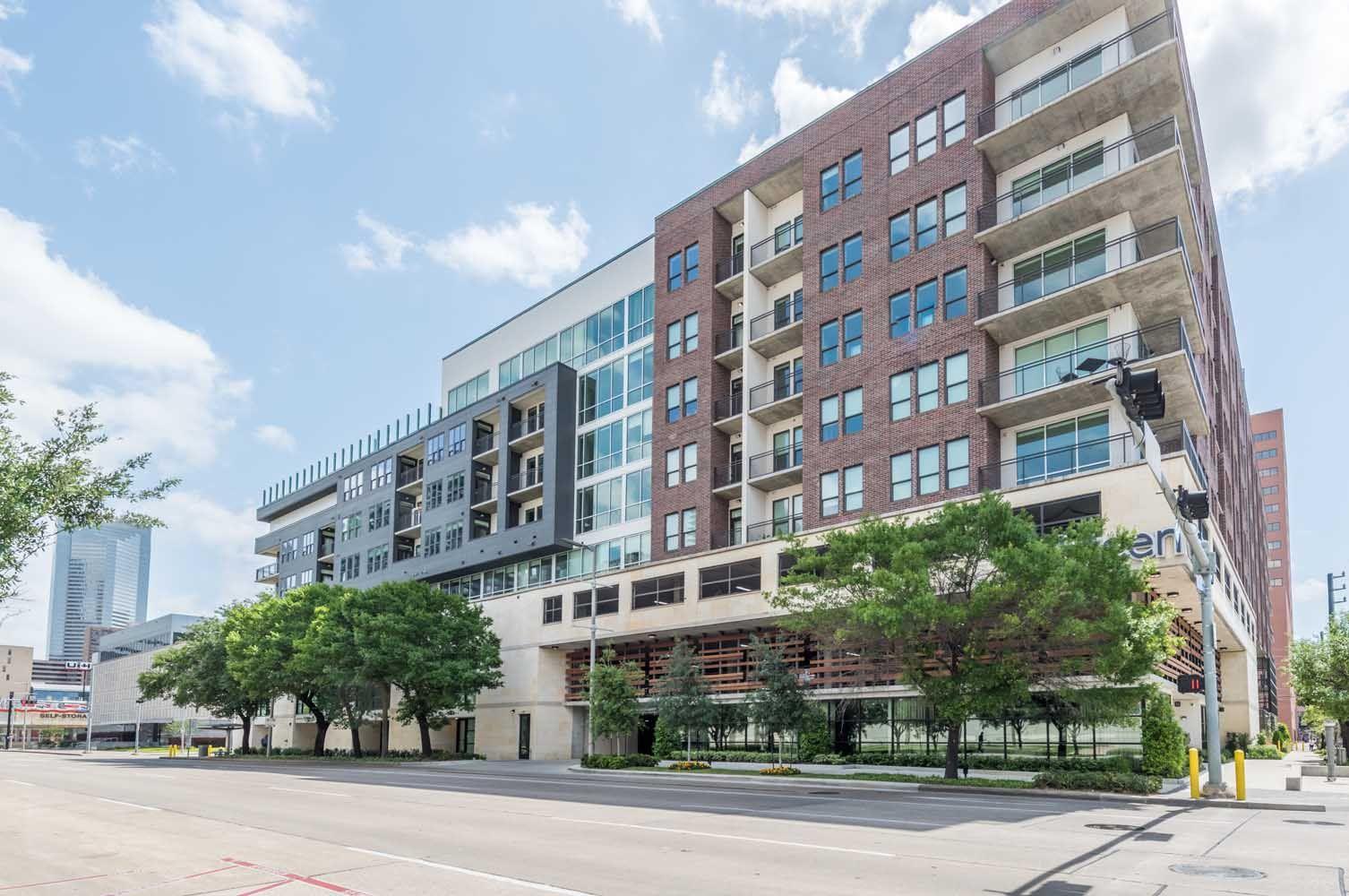 Eighteen 25 Downtown Living Downtown Houston Luxury Apartments