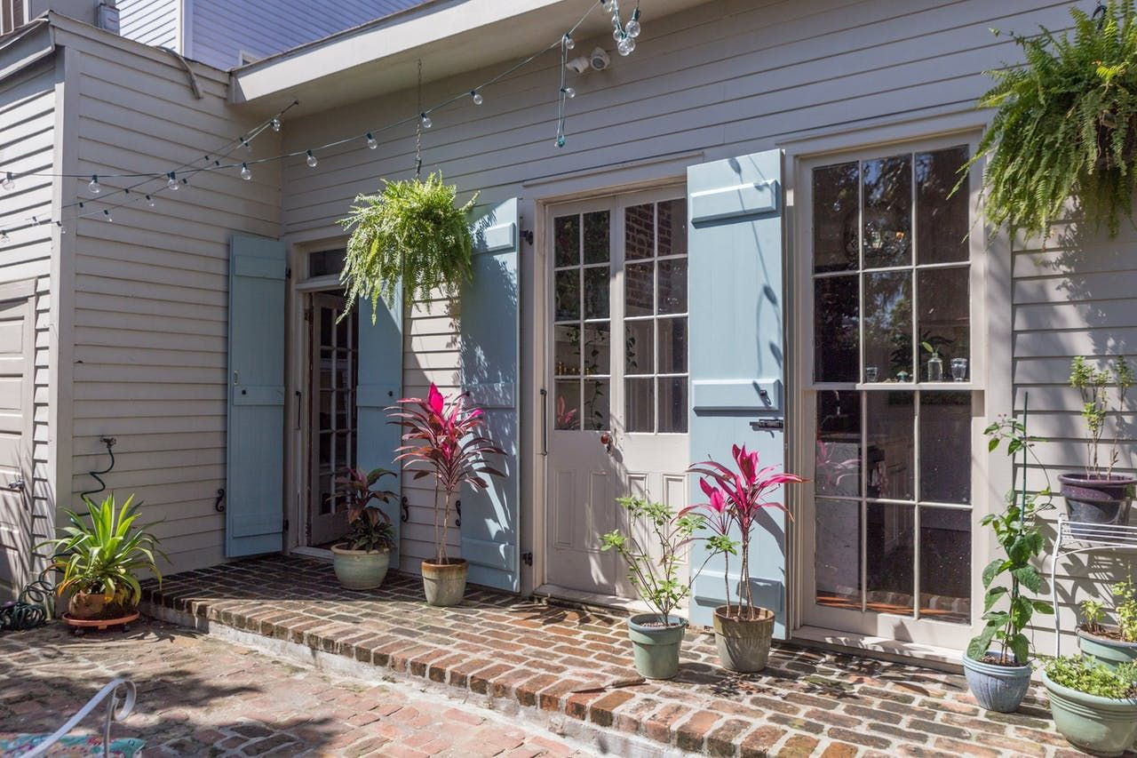 an adorable 1830s creole cottage in new orleans outdoors rh pinterest ie