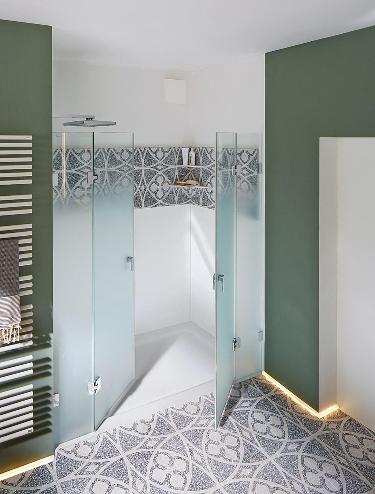 Bildbeispiel Terrazzoplatten An Wand Und Boden Im Badezimmer Via N 910760 52 Badezimmer Design Bad Inspiration Bodenfliesen Muster