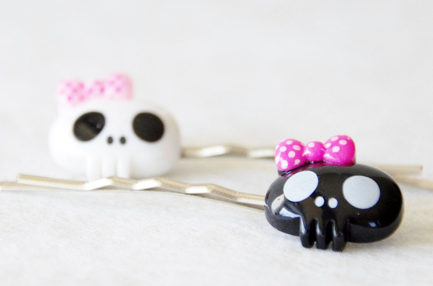 Bobby Pins Barrettes Hair Styling Clips Girly Skull And Crossbones