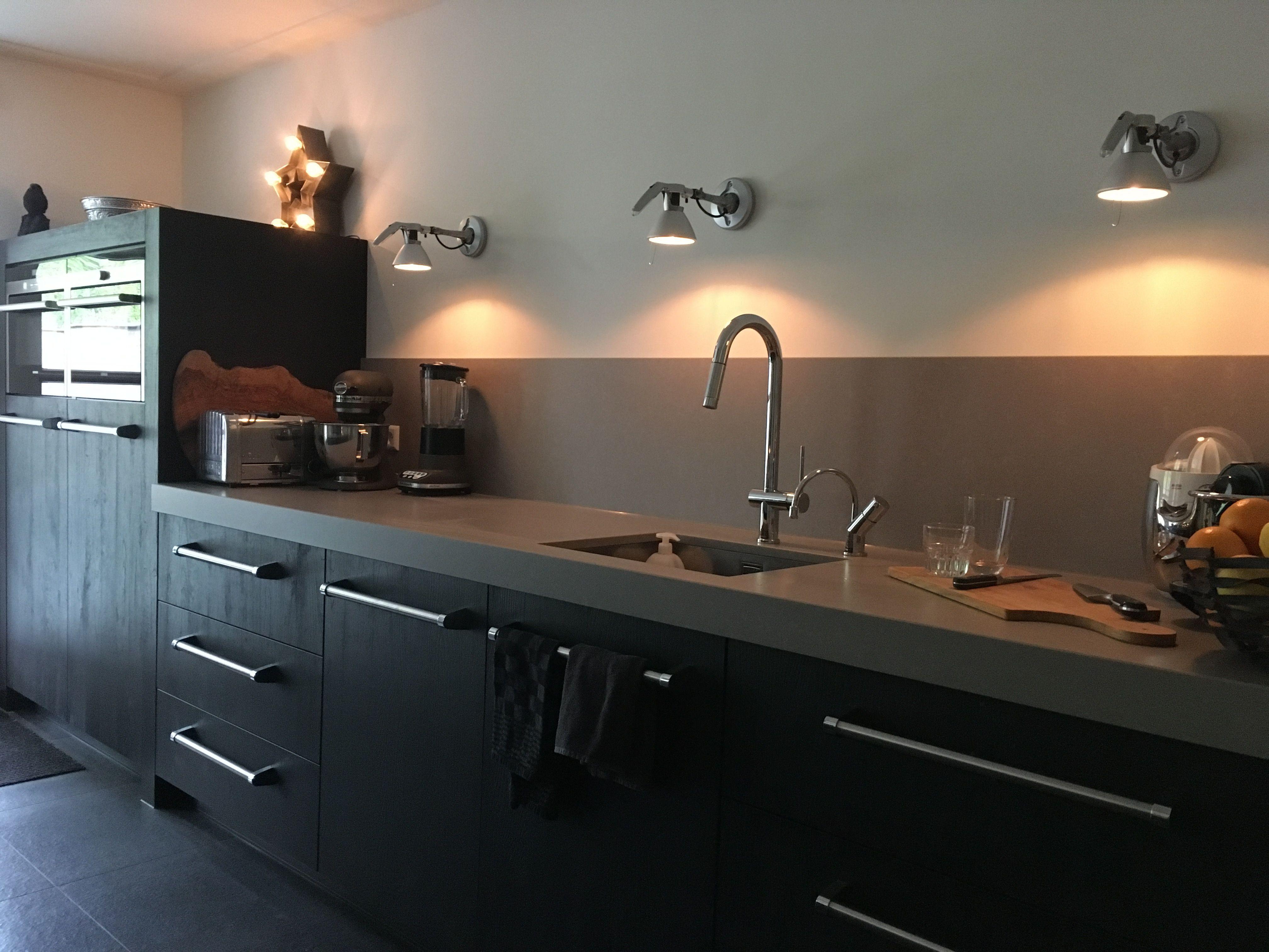 Zwart Keuken Grepen : Keuken zwart composiet blad luceplan siemens viking grepen