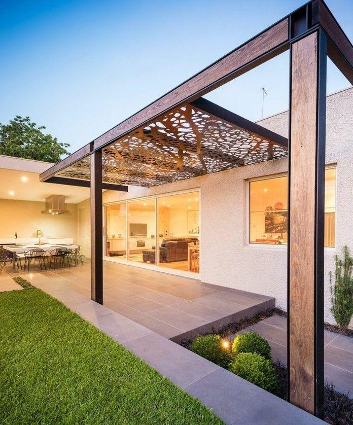 jolie pergola moderne en bois et en acier, toiture amovible ...