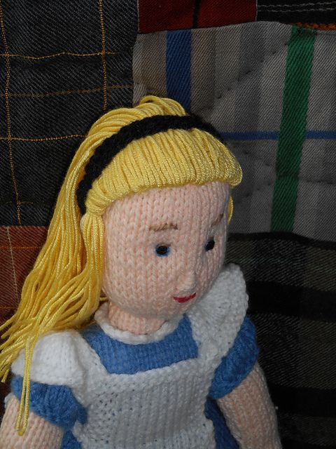 ALICE IN WONDERLAND knitting patterns