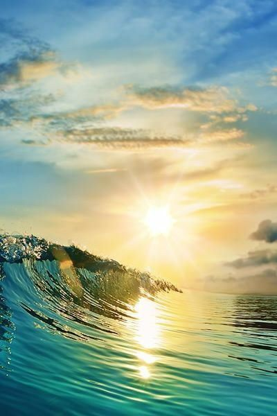 Awesome wave with a beautiful sunset can't get any better ...