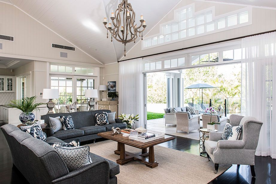 Relaxed tropical queensland hamptons style home brisbane for Decorating hamptons style living rooms