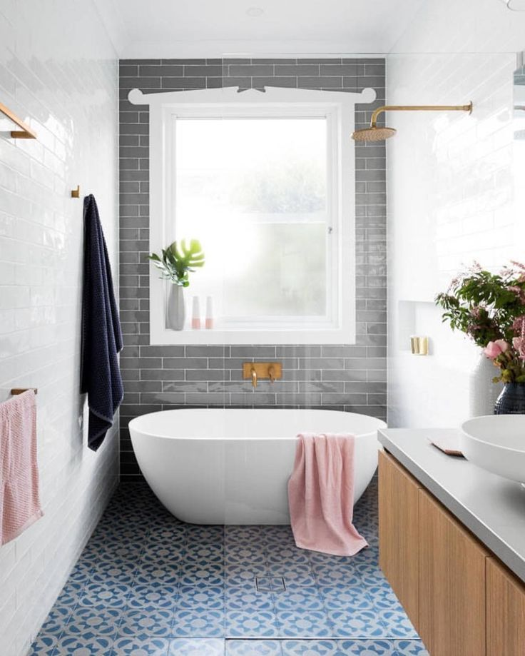 Small Bathroom Tub And Shower Combo: Bathroom / Home Goals / Zero