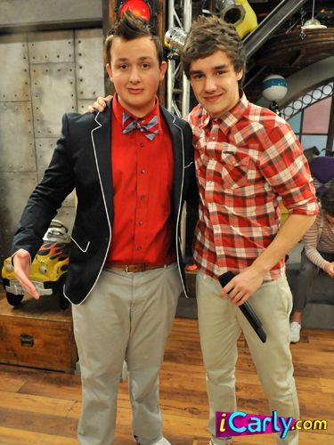 Agree People tied on icarly congratulate
