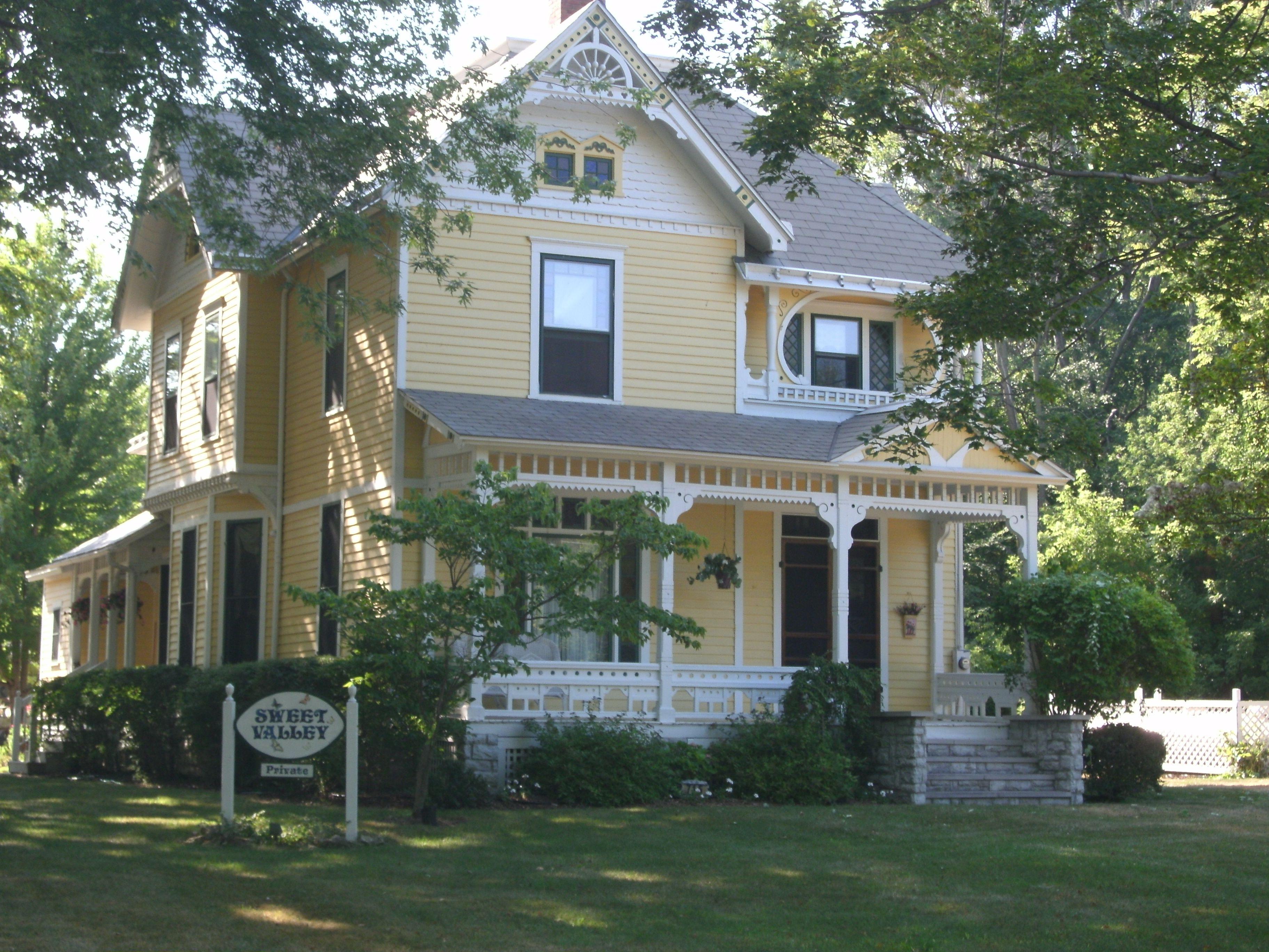 beautiful home on kelleys island old homes pinterest com