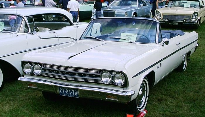 1963 Oldsmobile F 85 Conv White Oldsmobile Cutlass Wikipedia