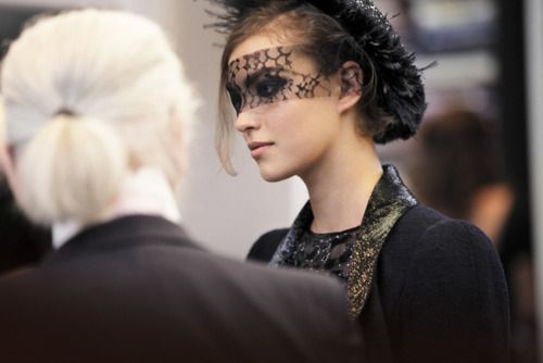 Chanel fall/winter 2011-12 backstage!