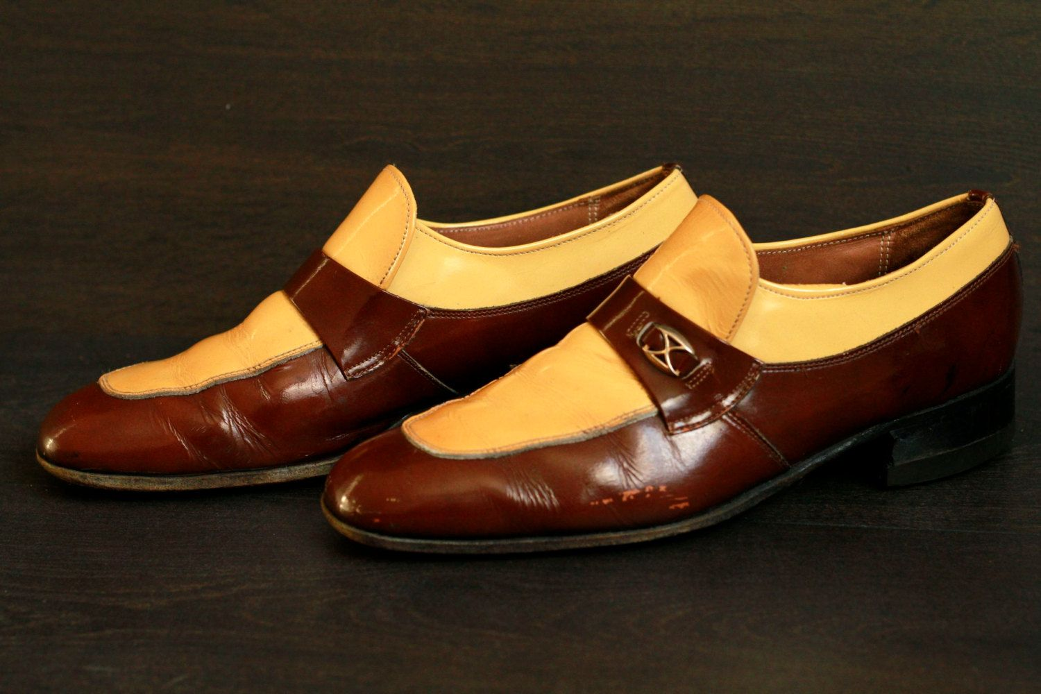 Vintage Mens Loafers 1970s Dress Shoes Yellow Brown Two Tone Mens Size 9 5d Via Etsy Loafers Men Dress Shoes Men Dress Shoes