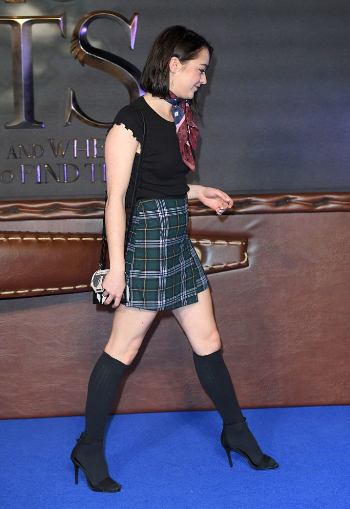 Maisie Williams Wore A Plaid Skirt And Knee Socks On The