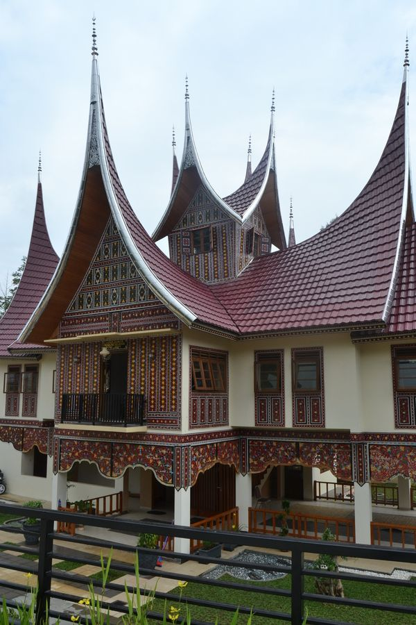 Minangkabau 39 s architecture west sumatra indonesia for Traditionelles haus bali