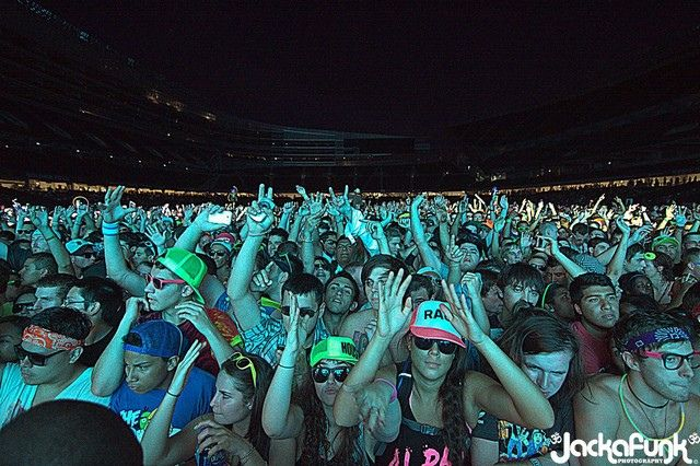 Crowd for Moby at Spring Awakening Music Festival at Soldier Field in Chicago, IL by Jackafunk Photography, via Flickr