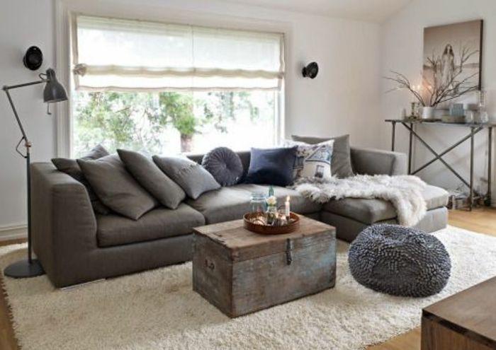 Awesome Couchdeko Mit Grauen Kissen In Verschiedenen Nuancen Und Größen,  Plüschdecke Für Couch Home Design Ideas