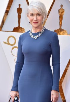 Oscars 2018: Dame Helen Mirren suffers awkward wardrobe malfunction in skin tight gown