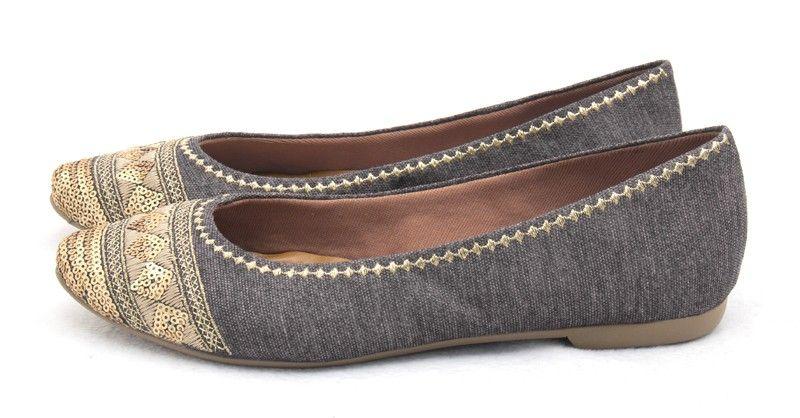 Ana Mello Calçados Femininos - Sapatilha Cinza com Bordado e Glitter Dourado - Destaque