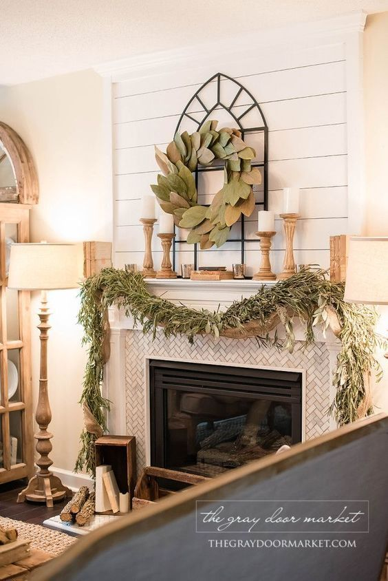 Living room decor rustic farmhouse style fireplace for Over the mantel decor