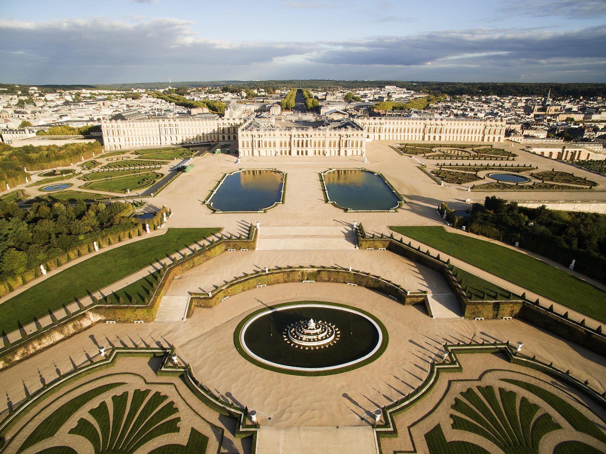 Vue a rienne du ch teau et des jardins de versailles - Jardin du chateau de versailles gratuit ...