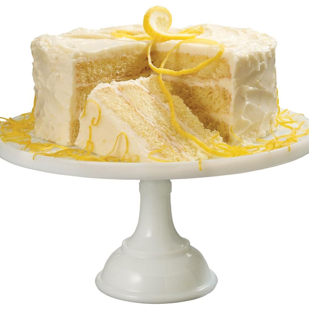 Lemon layer cake with lemon curd filling and lemon for Decoration layer cake