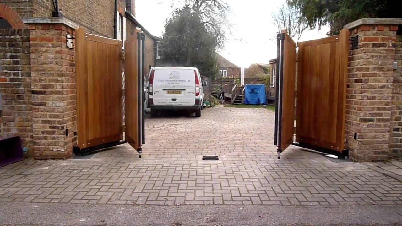 Bi Folding Gate Driveway Gate In 2019 Backyard Gates