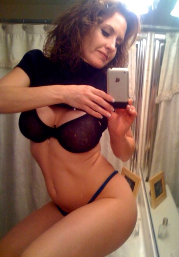 Sexy wife mirror pics 3