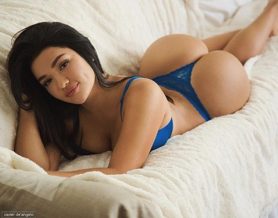 Sexibl nude young girl pictures