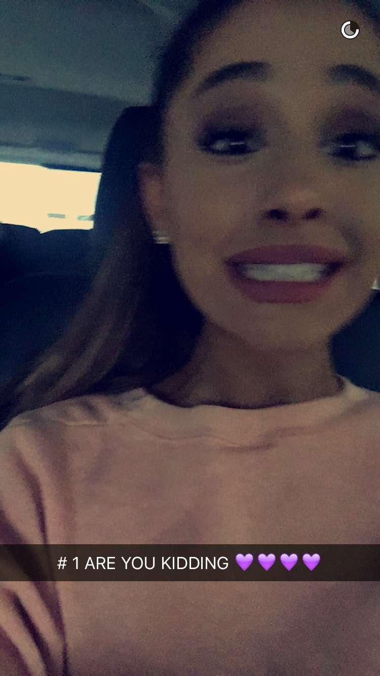 Pin De A En Moonlightbae Fondo De Pantalla De Ariana Grande