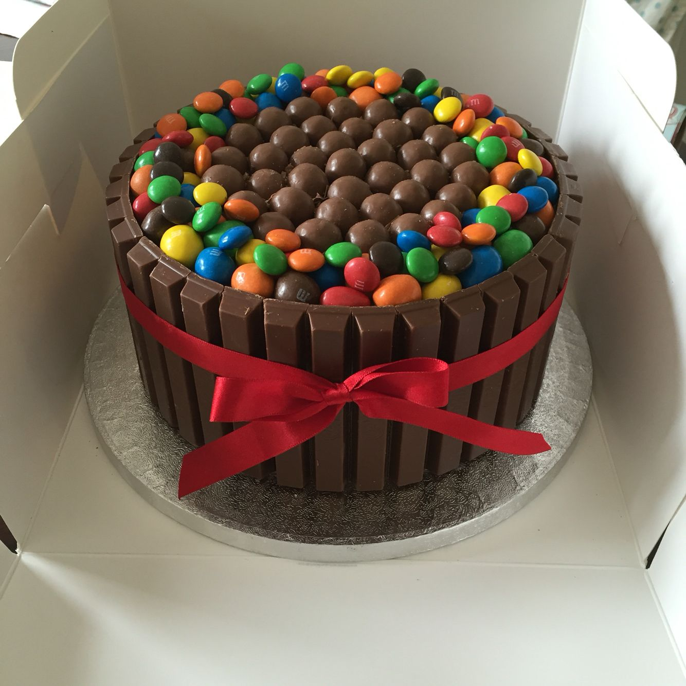 Kit Kat Malteser And M Ms Chocolate Cake Kitkat Cake Cake