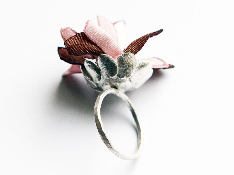 pierścień kwitnący pink w patchu na DaWanda.com