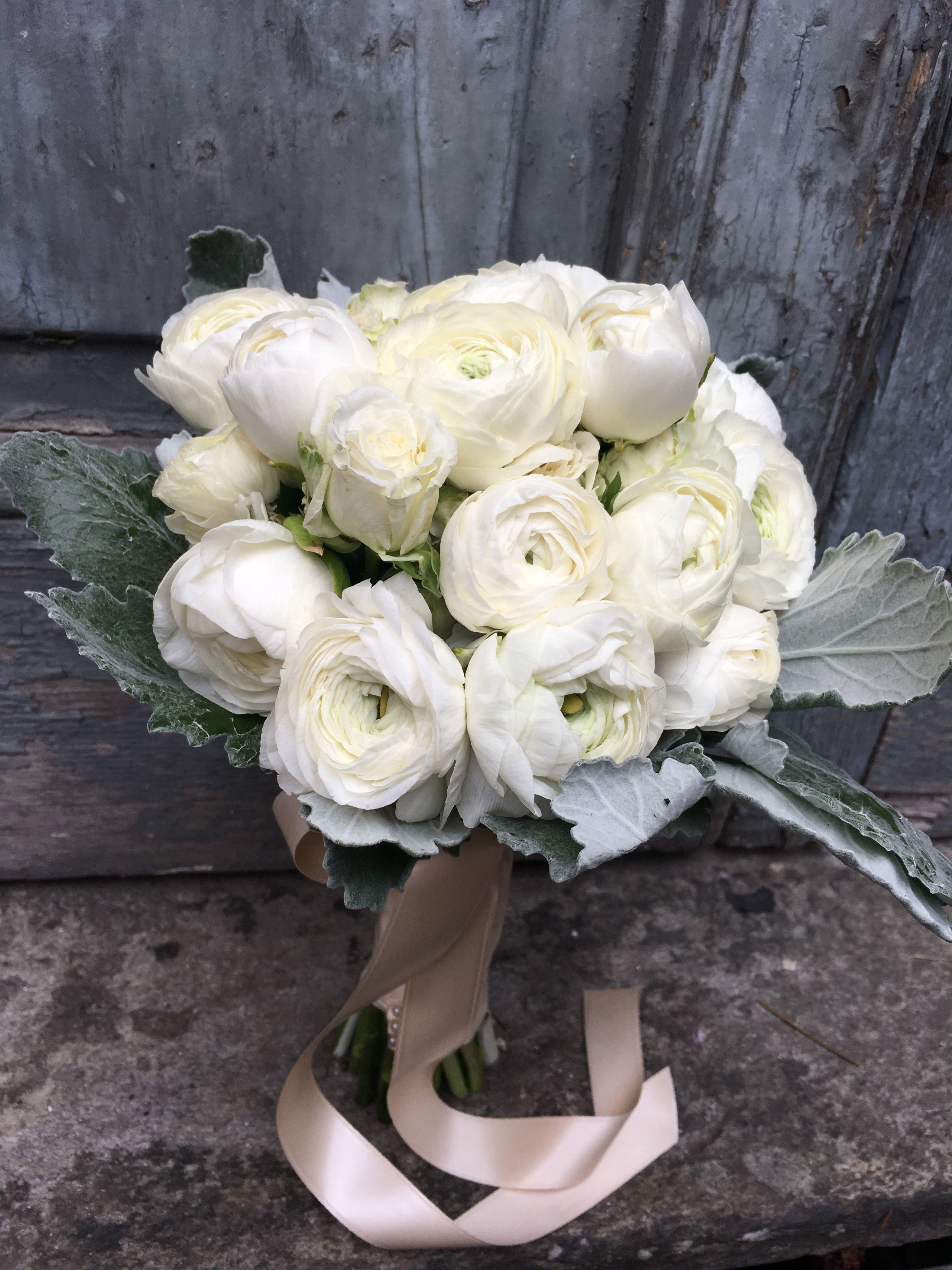 Bouquet Sposa Roma.Bouquet Da Sposa Con Ranuncoli Bianchi Per Matrimoni Invernali