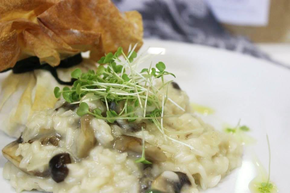 Estaladiços de Montalegre com arroz cremoso do Mondego by Club masterCOOK com microvegetais de rúcula e manjericão Life in a bag