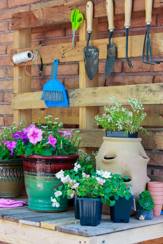 Diy potting bench potting bench pallets garden