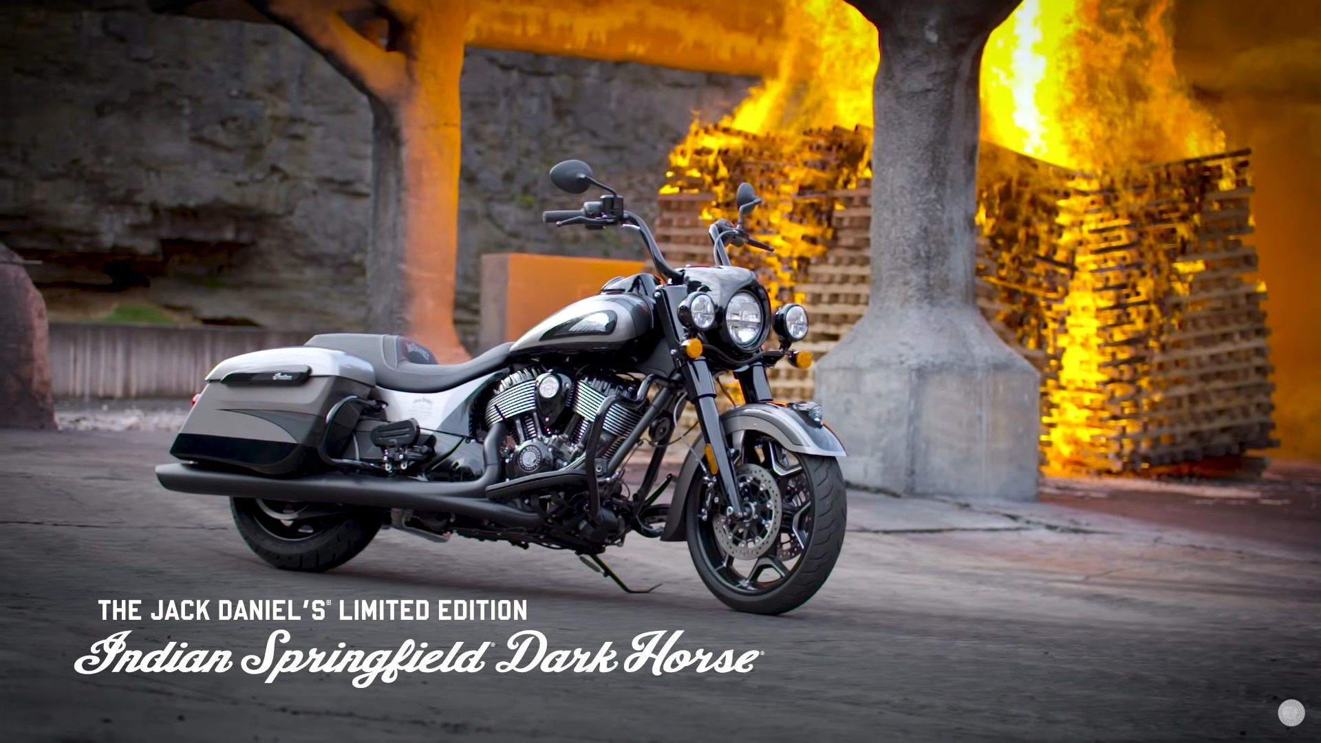 2020 Indian Motorcycle Jack Daniel S Limited Edition Indian Springfield Dark Horse Top Speed Indian Motorcycle Motorcycle Motorcycle Style [ 1080 x 1920 Pixel ]