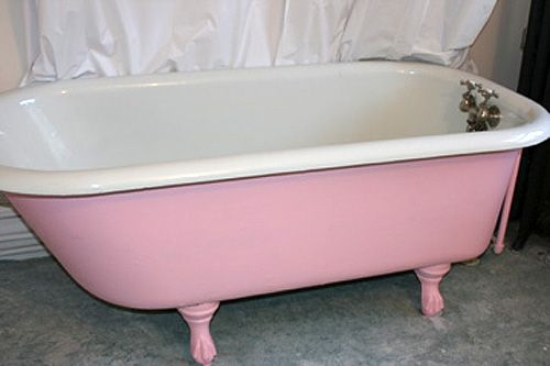 Pale pink claw-foot tub!