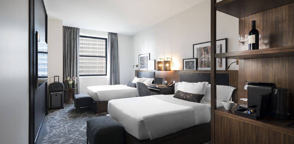 Londonhouse Chicago Curio Collection By Hilton Hotel Il Two