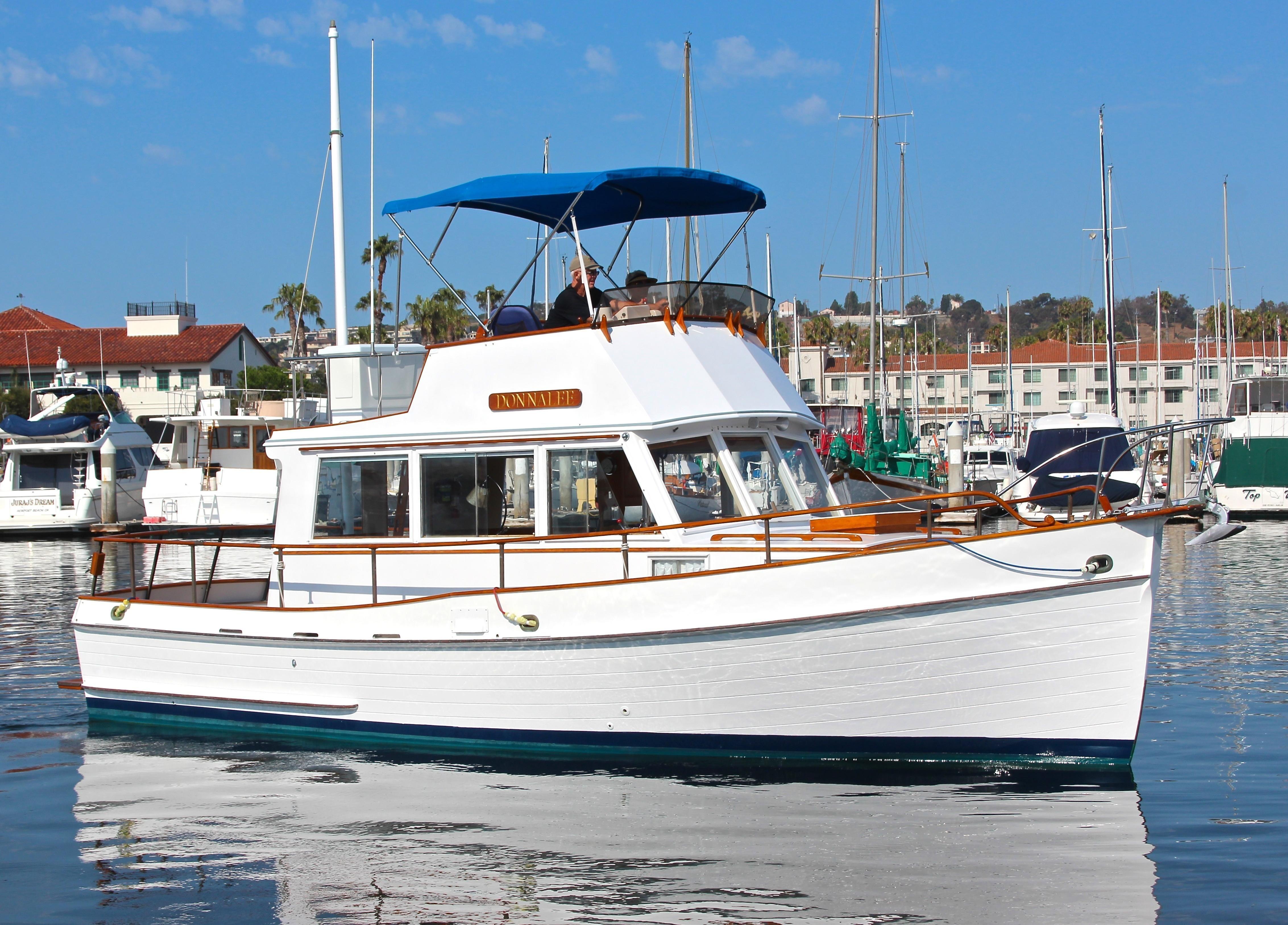 1972 Grand Banks 32 Sedan Power Boat For Sale Www Yachtworld Com