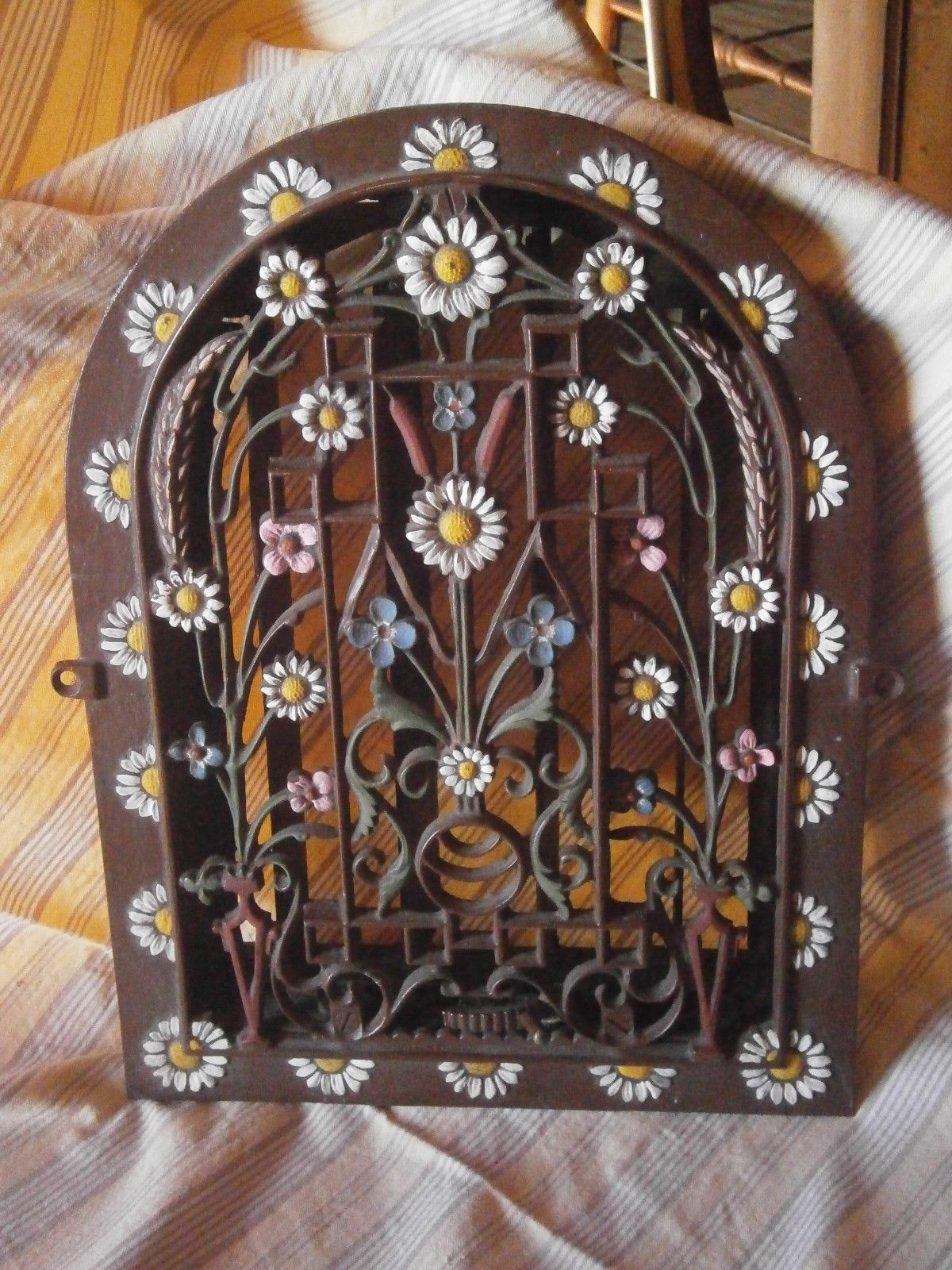 Antique Cast Iron Heat Register Arch Top Decorative Wall Register Vent Ebay Antique Cast Iron Heat Registers Wall Registers